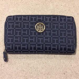 Tommy Hilfiger navy blue long zippered wallet